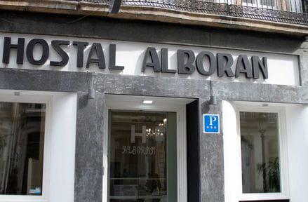 Hostal Alda Alborán Rooms